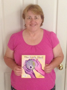"Leonie Pye with ""The Little Shell"" 22 Dec 2013"